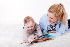 De la ce varsta ar trebui sa incepi sa ii citesti copilului
