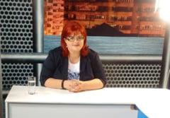 De la stanga la dreapta. Catalina Vartic s-a inscris in PNL si vrea sa-l ajute pe Flutur in campania electorala