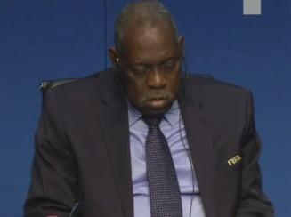 De necrezut! Noul presedinte al FIFA a adormit la conferinta de presa (Video)