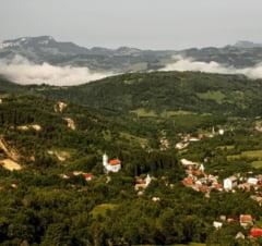 Decaderea Rosiei Montane, comuna din Apuseni care sta pe un munte de aur. Cum a influentat negativ viata comunitatii proiectul minier esuat