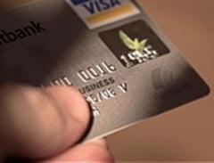 Decizia care ar putea schimba regulile creditarii. Amenda uriasa pentru o banca ce a refuzat emiterea unui card de credit pentru un pensionar