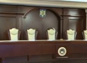 Decizie surprinzatoare a Curtii Constitutionale in cazul primarilor incompatibili, printre care si Iohannis