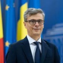 Declaratia de avere a ministrului Economiei: 16 terenuri, 2 case, 16 conturi si depozite bancare