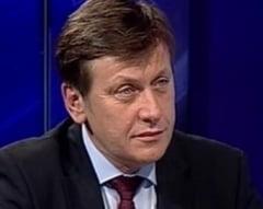 Defensiva lui Crin Antonescu (Opinii)