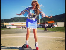 Delia pe skateboard