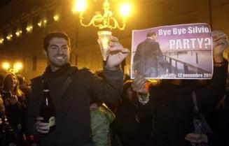 Demisia lui Berlusconi, sarbatorita in strada, cu sampanie