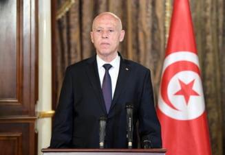 Demonstrație de forță a președintelui din Tunisia. L-a demis pe prim-ministru și le-a ridicat imunitatea parlamentarilor