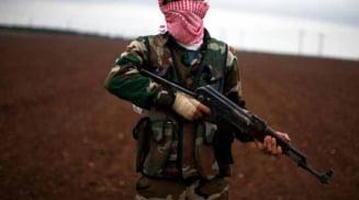 Dentist acuzat de spionaj, executat in stil barbar. A fost rastignit de jihadisti