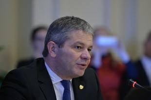 Denuntatorul din dosarul Lucan: Ministrul Sanatatii a fost audiat noaptea ca hotii la DIICOT