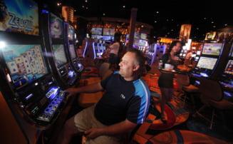 Dependenta de jocuri de noroc: Vieti distruse de pacanele, poker sau ruleta