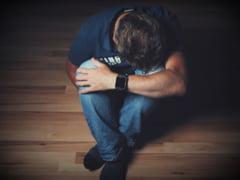 """Depresia poate veni la pachet cu un risc si mai mare. Nu ar trebui """"dusa pe picioare"""""""