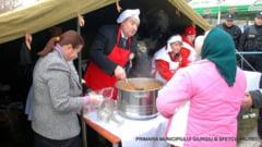 Depuneri de coroane, masa populara, spectacole si retragere cu torte - atractiile programului de 1 Decembrie la Giurgiu