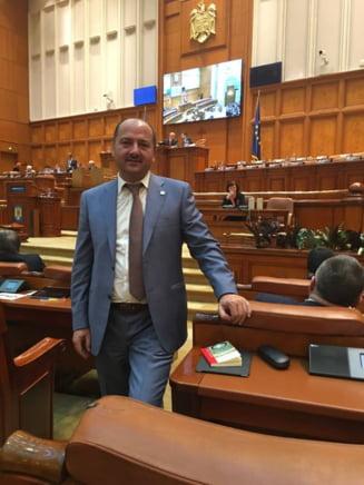 """Deputat ALDE, deranjat de intrebarile presei dupa ce a spus ca protestele duc la """"razboi civil"""": Guvernul v-a dat bani"""