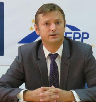 Deputat PNL: Banii din Fondul de rezerva, arma de santaj. PSD-ALDE incearca racolarea primarilor liberali