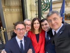 Deputat USR: La Cotroceni, Romania e cu 25 de ani in urma