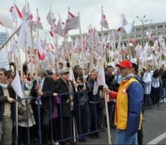 Deputatii au decis: Liderii de sindicate nu pot fi concediati nici in timpul mandatului, nici 2 ani dupa