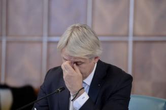 Deputatii discuta azi motiunea USR impotriva lui Teodorovici. Ce ii reproseaza Opozitia ministrului de Finante
