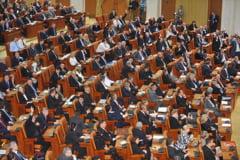 Deputatii i-au aplaudat un minut, in plen, pe supravietuitorii cancerului