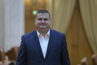 """Deputatul PSD, Mitica-Marius Margarit, celebru dupa ce a declarat ca are """"ciasuri de mana"""" de 12.000 de euro, numit membru in Comisia de control al SRI"""