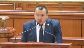 Deputatul cu mitraliera si-a luat concediu de la Parlament pentru analize medicale in strainatate