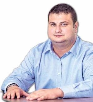 """Deputatul galatean Marius Mitica Margarit a fost numit in comisia de control a SRI. Poreclit """"Ciasuri"""", politicianul a facut avere din contracte publice"""