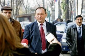 Deputatului PSD Stan, acuzat de DNA pentru ca cerea bani ca sa mituiasca alegatorii in campanie, aparat de Ion Iliescu