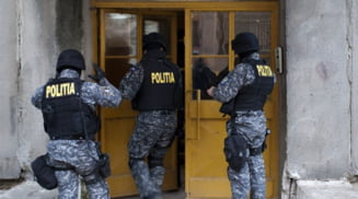Descinderi intr-un dosar de contrabanda cu tigari in trei localitati oltene. Politistii si mascatii iau cu asalt si oficii postale