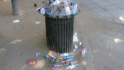 Descoperire majora in domeniul reciclarii: O enzima mutant dezintegreaza plasticul in cateva ore