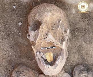 Descoperire uluitoare in Egipt. Mumii din Antichitate, cu amulete din aur, in forma de limba