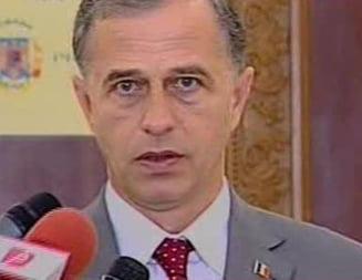 Desi a ezitat, Mircea Geoana a ajuns la intalnirea cu Traian Basescu