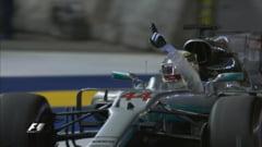 Dezastru pentru Ferrari in Singapore. Ambii piloti au abandonat la prima curba, Hamilton a luat marele pot (Video)