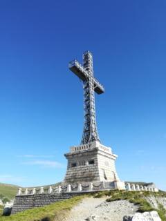 Dezastrul adus de nesimtire: Cum arata Crucea de pe Caraiman care va fi reabilitata cu milioane de euro (Galerie foto)