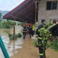 Dezastrul lăsat în urmă de ploile abundente. Zeci de localități au fost inundate, iar o persoană a fost găsită decedată în albia unui râu VIDEO