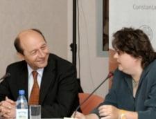 Dezbaterea intre Traian Basescu si Alina Mungiu, suspendata