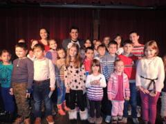 Diana Iarca si elevii Atelierului de Creatie, in spectacol de Craciun