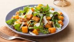 Dieta de toamna cu salate: ce ingrediente sa pui ca sa slabesti fara efort