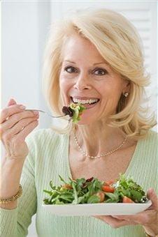 Dieta potrivita femeilor de peste 50 de ani
