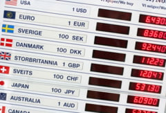 Diferente mari intre cursul valutar afisat de banci si cel de la casele de schimb