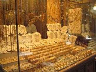 Din 2010 se ieftinesc produsele de lux - bijuterii si iahturi la pret redus