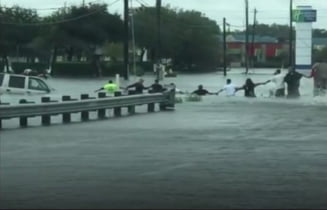 Din cauza lui Harvey, o uzina chimica din Houston a explodat