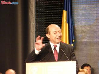 Din culisele Conventiei PD-L: vezi ce faceau pedelistii cand vorbea Basescu