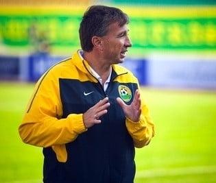 Dinamo, invinsa de echipa lui Dan Petrescu