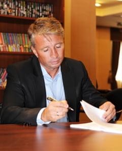 Dinamo Kiev ii ofera un salariu fabulos lui Dan Petrescu