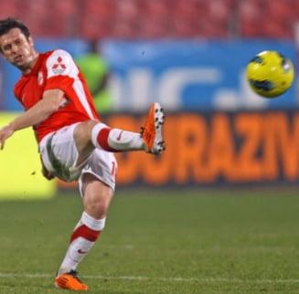 Dinamo s-a distrat cu lanterna rosie