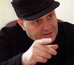 Dinescu: Multi securisti profita de cererea ANI de revocare a mea de la CNSAS