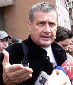 Dinescu: Preotii sa nu doarma linistiti