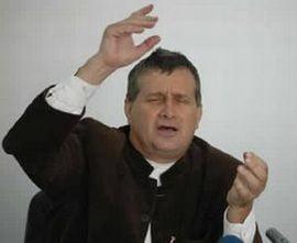 Dinescu zice, in declaratia de avere, ca habar n-are cati bani ia de la trustul lui Vantu