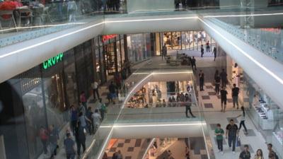 Directia de Pasapoarte din Pipera se muta intr-un mall din Bucuresti