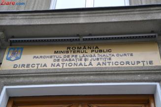 Directori din Primaria Sectorului 1, retinuti de DNA - cereau mita de zeci de mii de euro de la oameni de afaceri