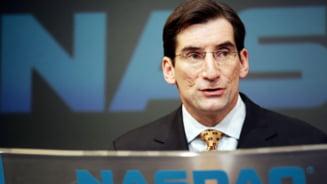 Directorul Nasdaq a pierdut jumatate din bonusul pe 2012 din cauza Facebook